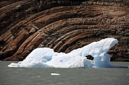 Groove marks cut by the movement of the Perito Moreno Glacier