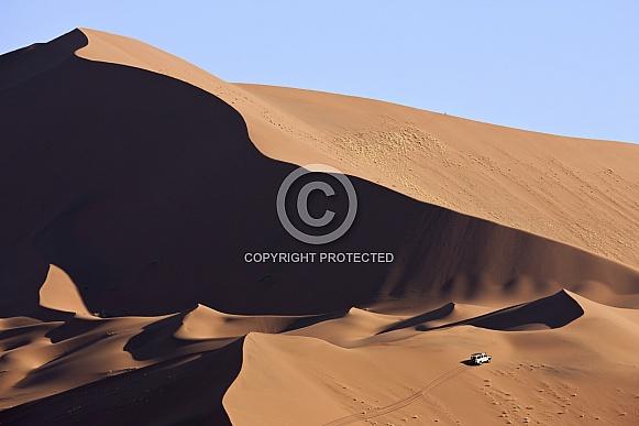 4x4 in the Namib Desert - Namibia