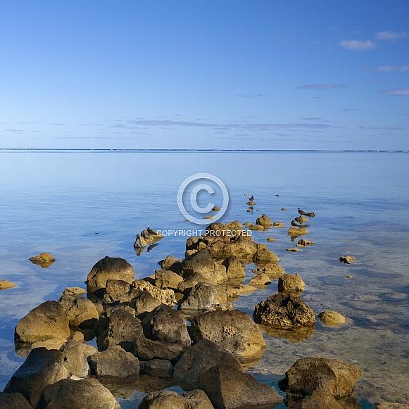 Calm sea - Aitutaki Lagoon - Cook Islands